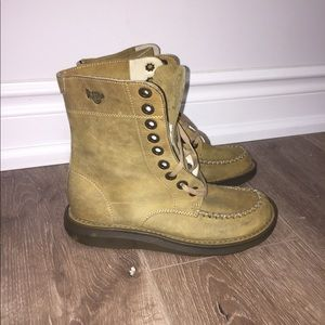 Dr martens boots suede US 6 Rare England made